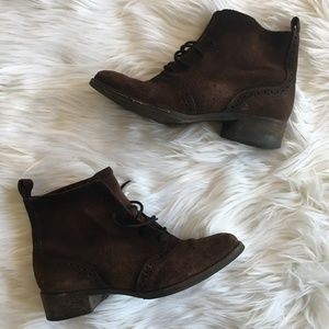 [Elizabeth and James] Goody Pull On Oxford Booties